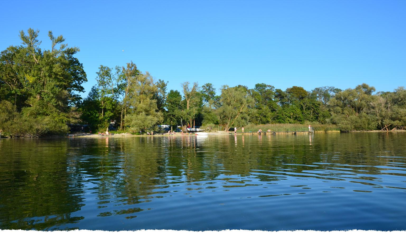 Unser Platz vom See aus gesehen